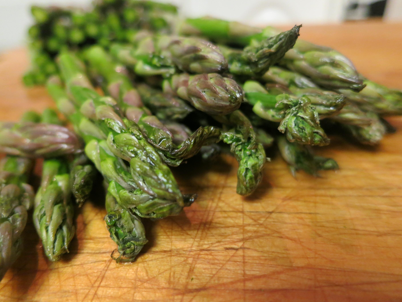 Green asparagus, asperges vertes, pour la soupe
